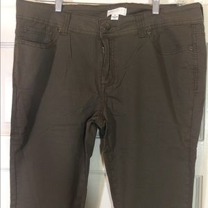 Forever 21 plus skinny olive green jeans 16